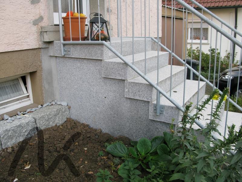 Granit_Blockstufe_grau 5.JPG