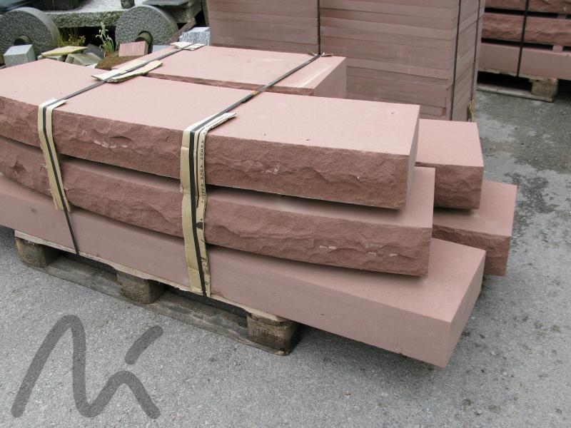 Sandstein_Blockstufe_rot.JPG