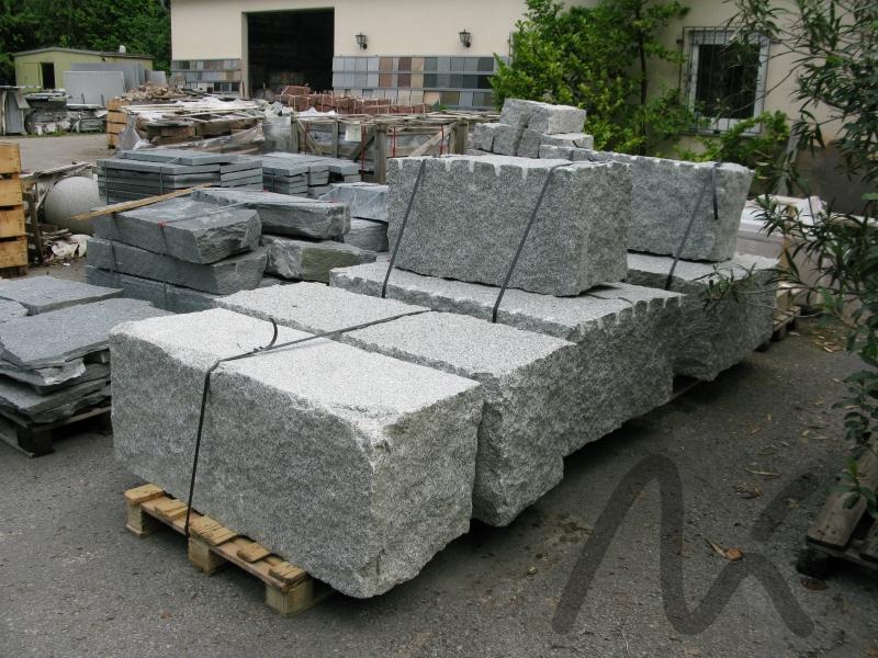 Granit_Quader_grau.JPG