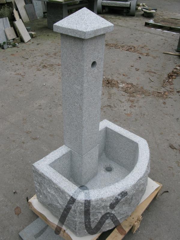 Granit_Brunnen_grau 2.JPG