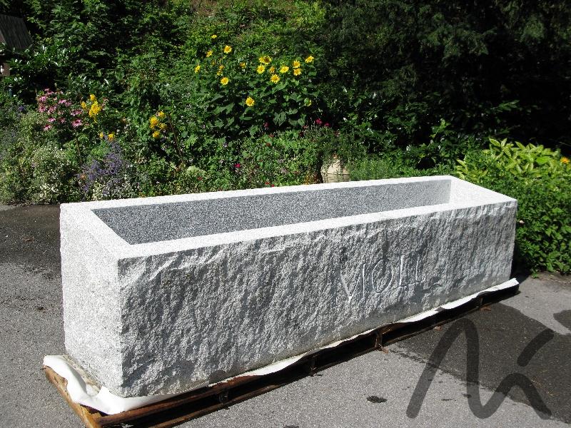 Granit_Trog_grau 2.JPG