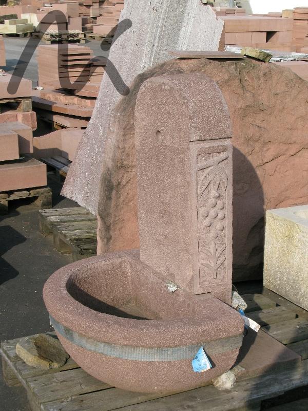 Sandstein_Brunnen_rot_2.JPG